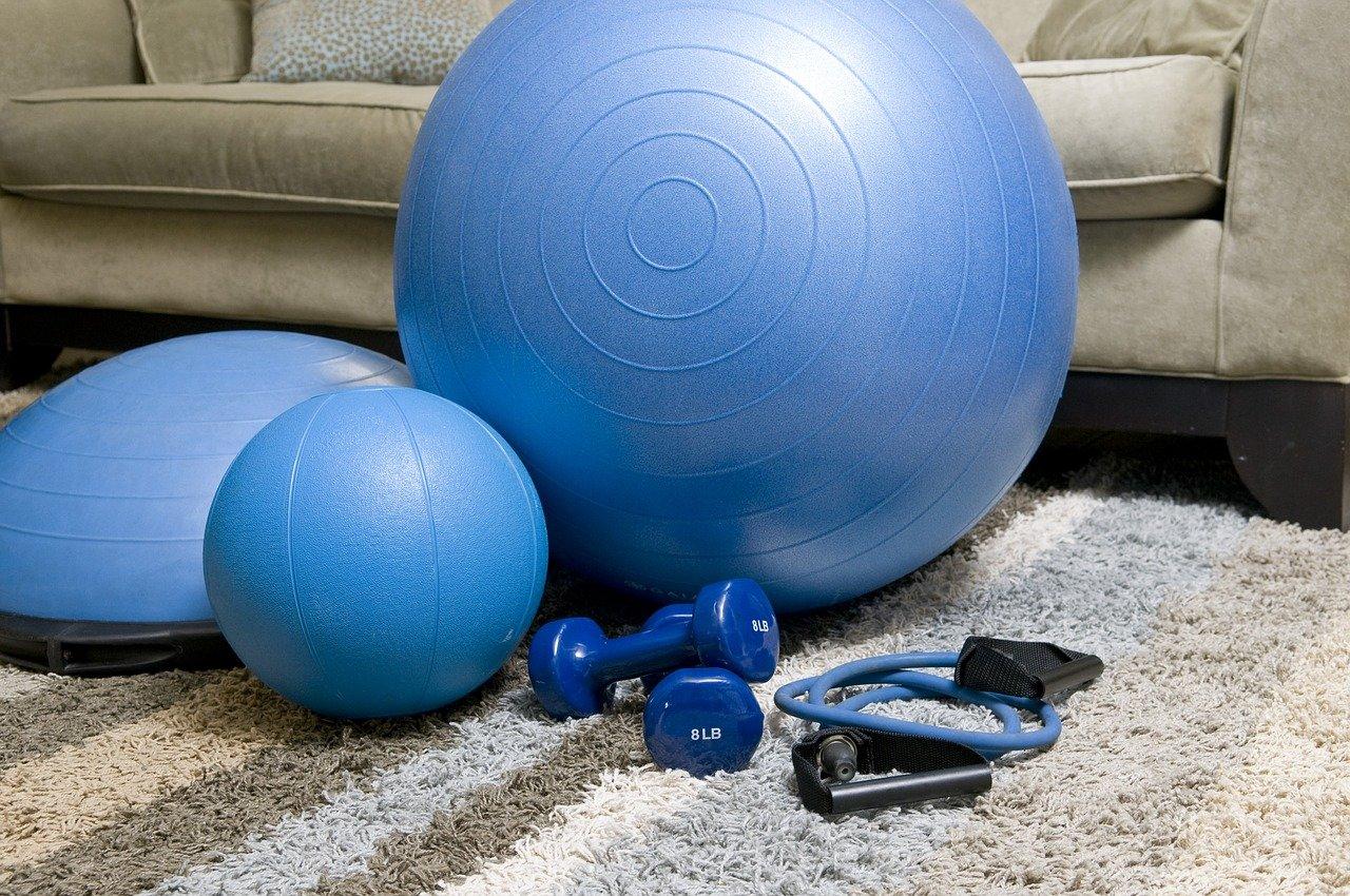 Jak ćwiczyć w domu bez sprzętu?